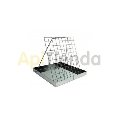 Cubetas Banco de desopercular inox Banco para desopercular, fabricado en acero inoxidable. Gracias a sus pequeñas dimensiones s