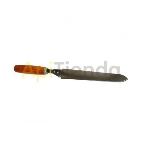 Desoperculado Cuchillo liso para desopercular 18cm Cuchillo liso para desoperculado en acero inoxidable y con mango de madera.