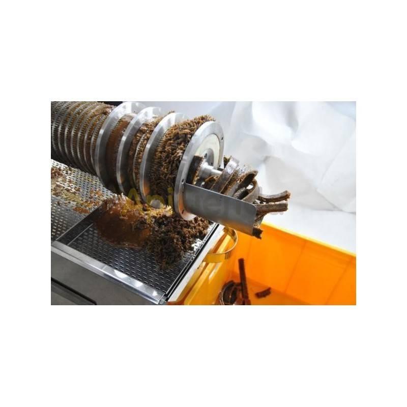 Prensas para opérculos Prensa para operculos 200kg Altura: 92 cm ancho: 75 cm longitud: 135 cm eficiencia: hasta 200 kg / h