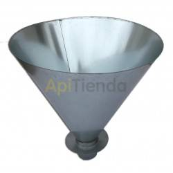 Funnel for bee packs