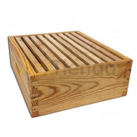 Colmenas de madera Media alza Fija Dominguez Media alza Fija fabricada en madera de pino Fabricante Dominguez Lleva 8 o 9 cua
