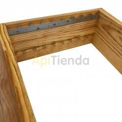 Colmenas de madera Media alza Fija Dominguez Media alza Fija Fabricante Dominguez Lleva 9 cuadros alambrados.