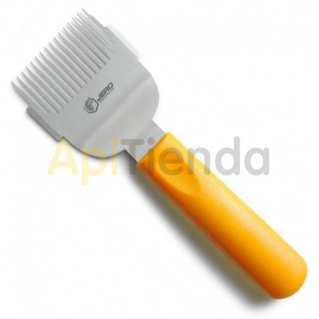 Material  Peine desopercular JERO Peine desopercular JERO Está herramienta no puede faltar en su kit de apicultor, ya que es mu