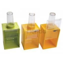Reinas Jaula incubadora Jaula incubadora de reina Fabricado en plástico Colores pueden variar Precio por unidad