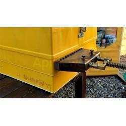 Accesorios y cuadros Marcador de colmenas a fuego Marcador de colmenas a fuego. Es ideal para marcar las colmenas de madera, de